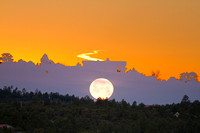 04152014HousecontrailDuo875MoonSet866AT